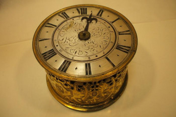 Gilt metal drum clock